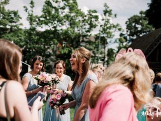 amy faith photography wedding photographer alternative creative quirky nontraditional destination uk elopement
