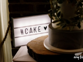 Cake sign light up box